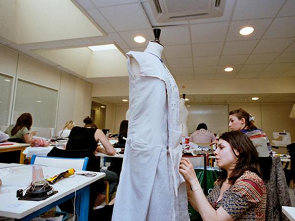 法国巴黎有哪些好的服装专业学院选择?